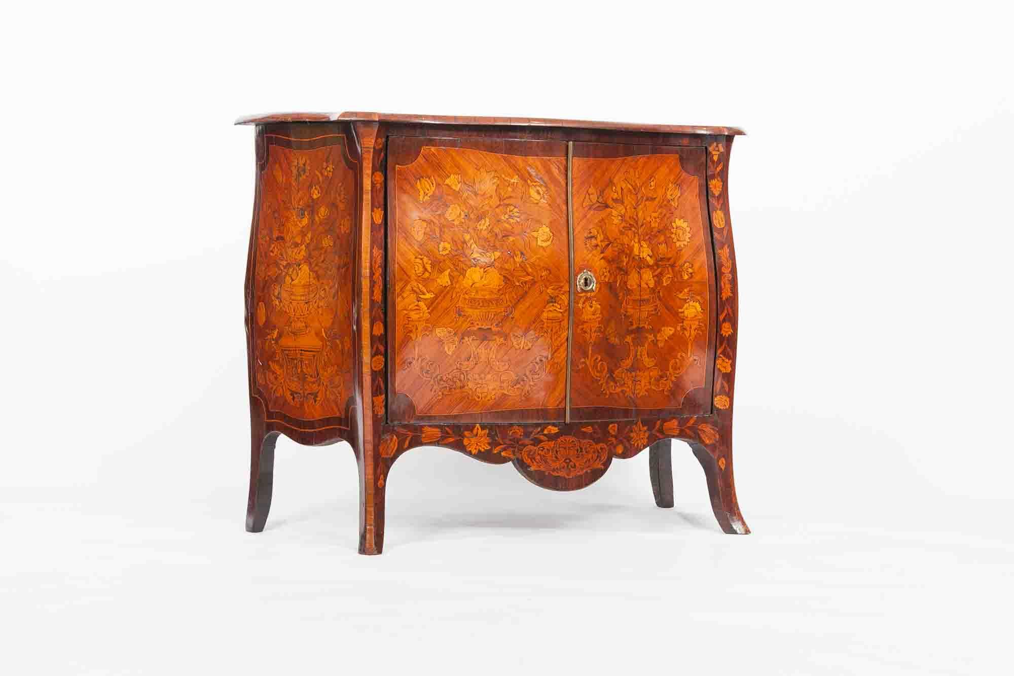 Bombe 94 dedans 9425 18th century dutch marquetry bombe commode - o'sullivan antiques