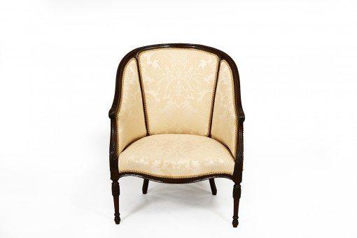 Early 19th Century George III Mahogany Hepplewhite Tub Chair