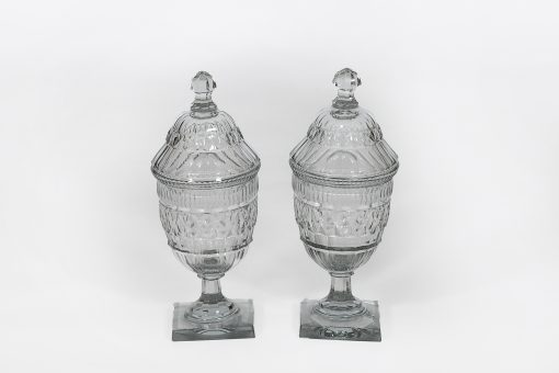 A pair of beautiful late 18th century George III ginger jars. Diamond cut glass urns with removable cover