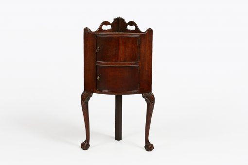 Early 19th Century Regency Irish Mahogany Corner Cabinet