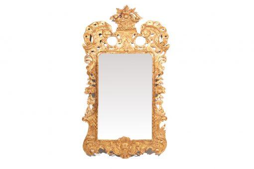 10190 - 18th Century Irish George II Giltwood Pier Mirror