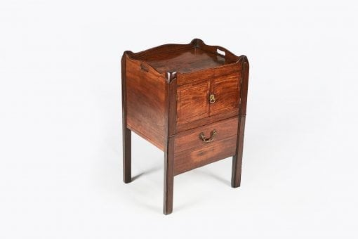 10095 - Early 19th Century George III Mahogany Commode