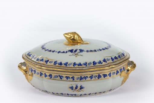 10393 - 19th Century French Porcelain Centre Tureen